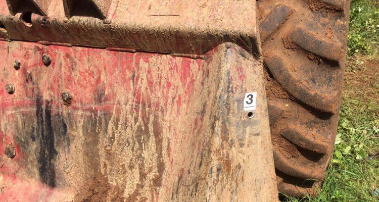 Pericia de la PDI muestra el orificio tres en el tractor de Catrillanca.