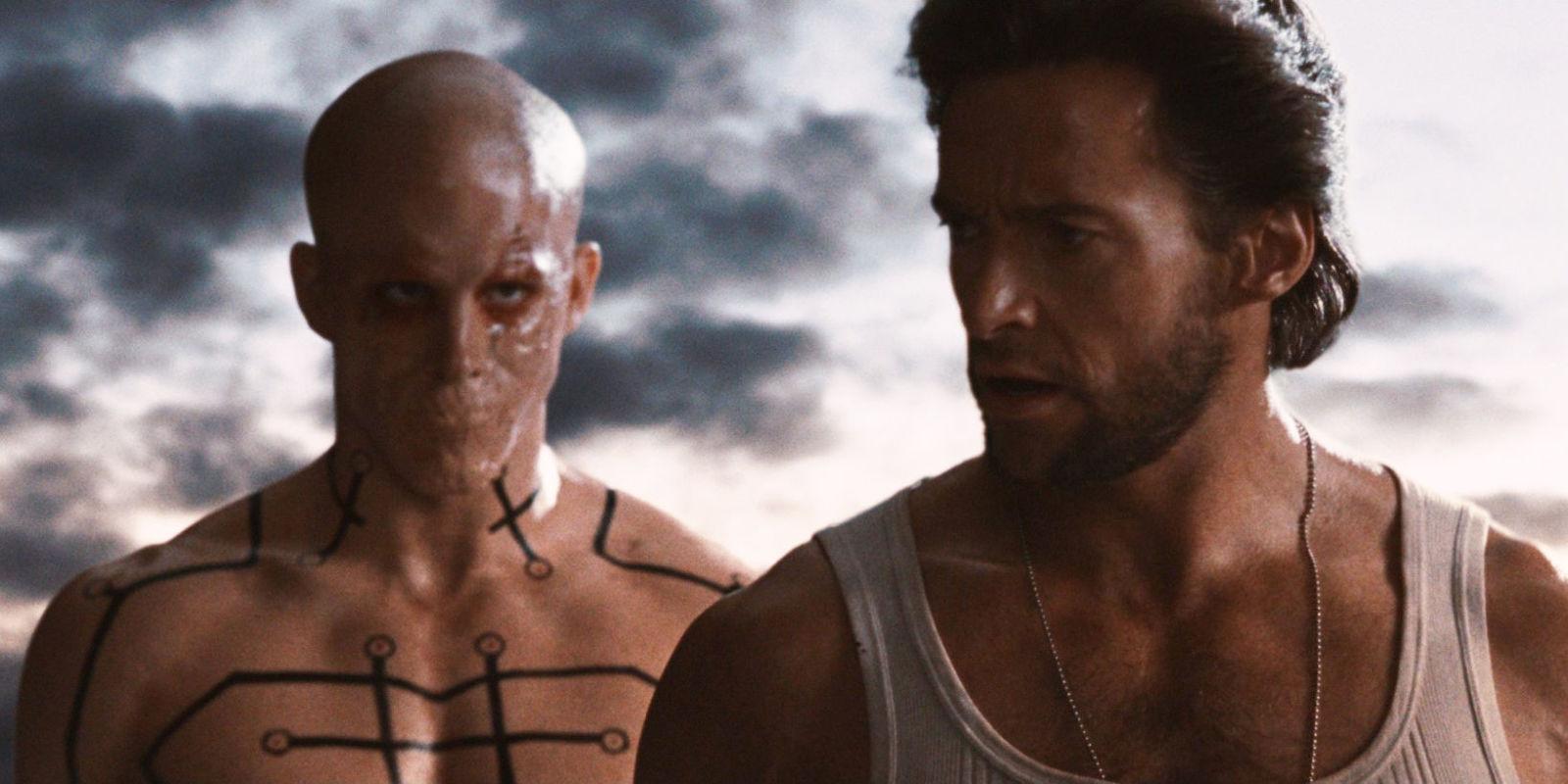 """Deadpool (izquierda) y Logan (derecha) en """"X-Men orígenes: Wolverine (2009)"""""""