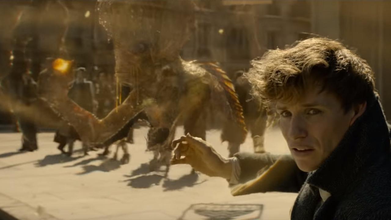 """Kappa (izquierda) y Newt Scamander (derecha) en """"Los crímenes de Grindelwald"""" (2018)"""