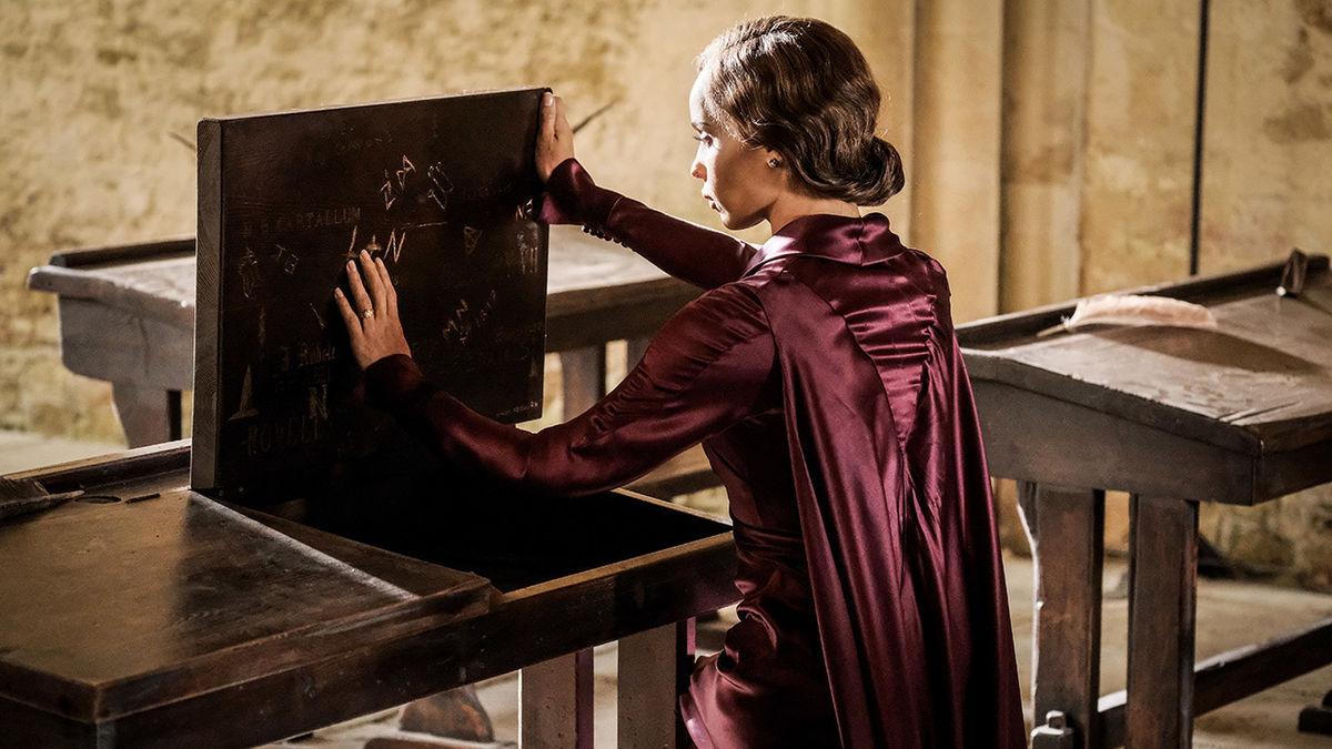 Leta Lestrange en su regreso a Hogwarts | Los crímenes de Grindelwald (2018)