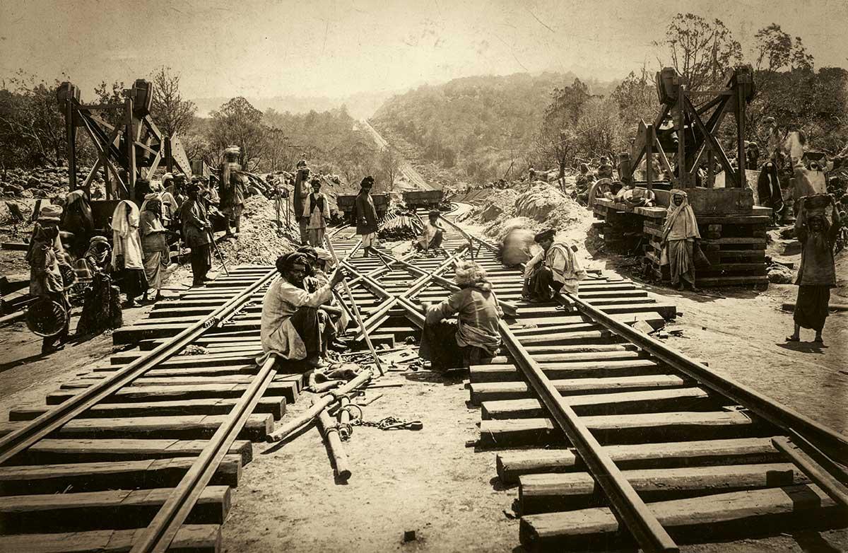 Construcción línea férrea en Tsavo | Wikimedia Commons
