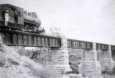 Puente Río Tsavo | Wikimedia Commons