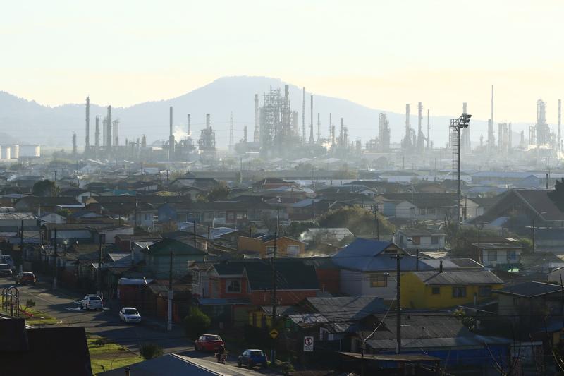 Refinería de ENAP en Hualpén. Agencia Gradual