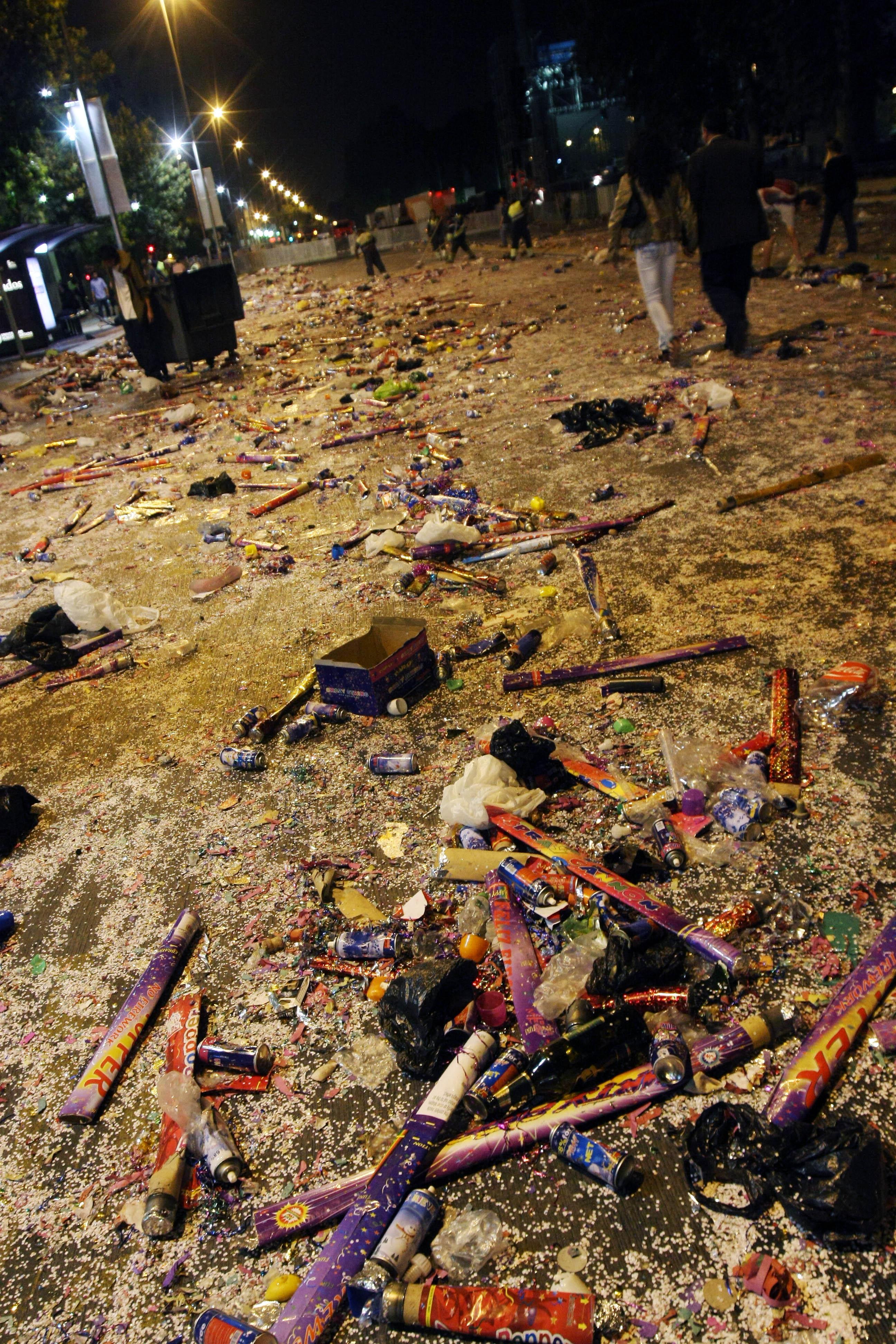 Limpieza en La Alemada tras la celebración de Año Nuevo. José Zuñiga | Agencia UNO