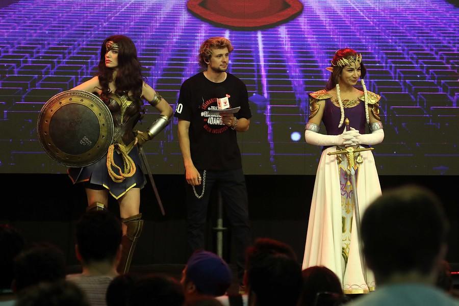 Millaray Viera como la Mujer Maravilla en la Gamertón | Javier Salvo | Agencia UNO
