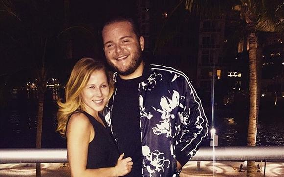Caitlin Hale y Angelo
