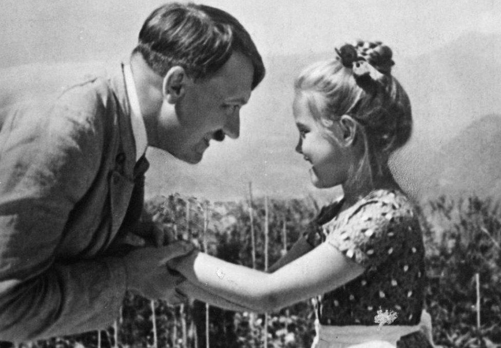 Hitler y la pequeña Rosa | ABC