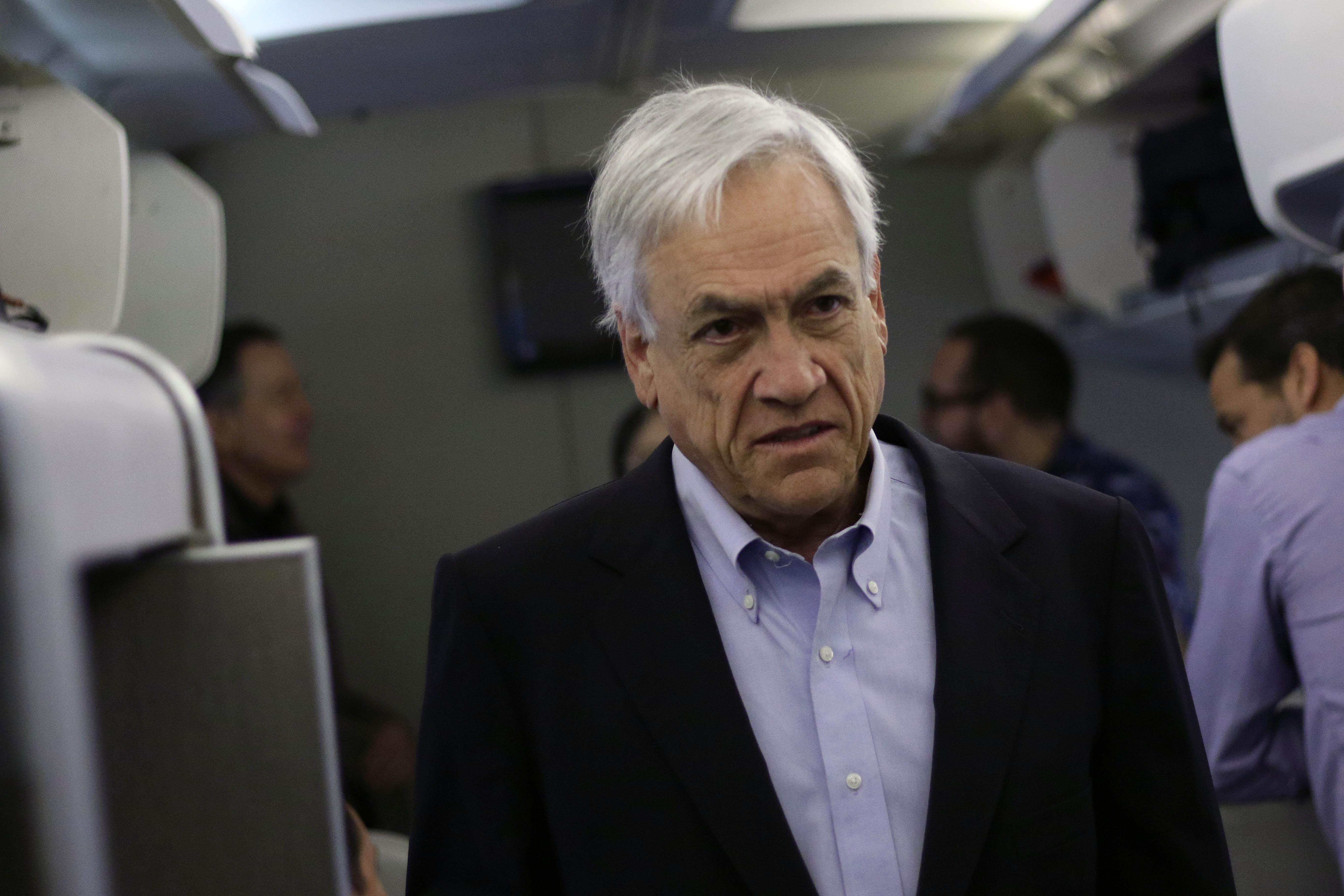 Presidente Piñera esta mañana en el avión presidencial | AgenciaUNO