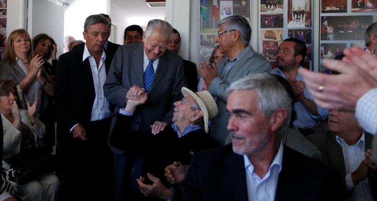 Patricio Aylwin y Carlos Altamirano (sentado) | Marcelo Segura | Agencia UNO