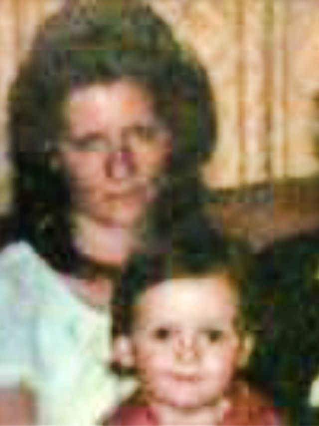 Connie Johnson y su hijo Jordan