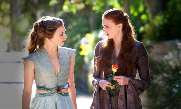 Izquierda: Margaery Tyrell; derecha: Sansa Stark   Game of Thrones