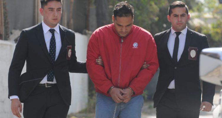 Detenido por robo a  cantantes de reggaetón Anuel AA y Karol G   PDI