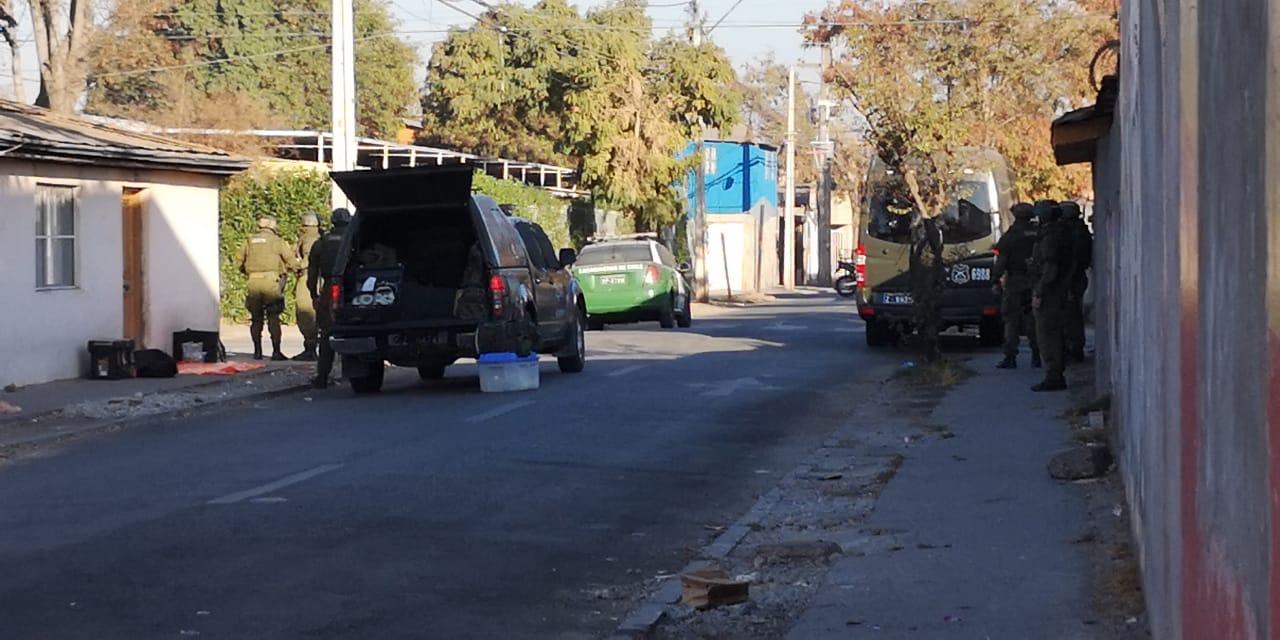 Evacuación de escuela básica de Cerro Navia