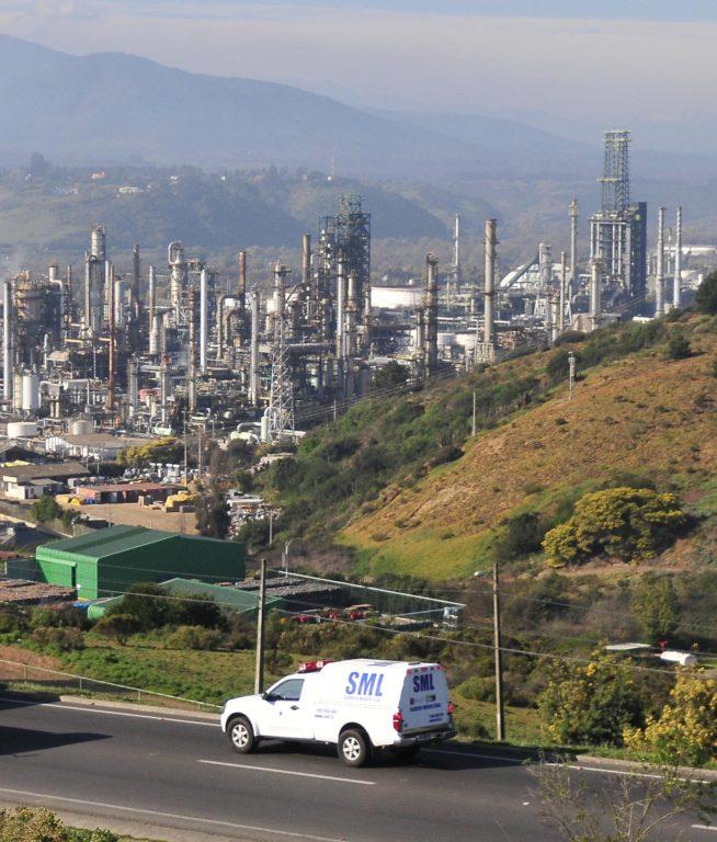 Foto del 31 de julio de 2013 | Un trabajador muerto y cuatro heridos dejó una fuga de ácido sulfhídrico en la planta de la refinería de Enap, Concón. | Agencia UNO