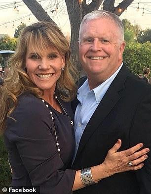 Tina Hines y su esposo   Facebook