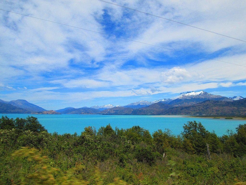 Lago General Carrera desde la Carretera Austral, sector de Lago Bertrand, región de Aysén (CC) WIkimedia Commons