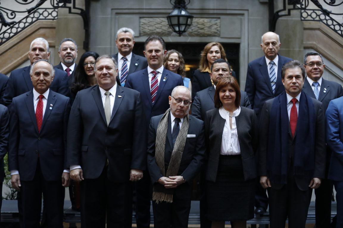 NATACHA PISARENKO / POOL / AFP