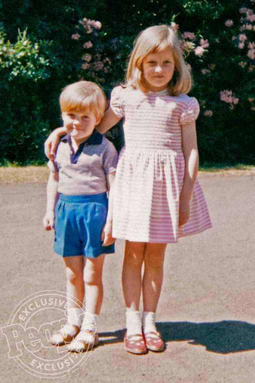 Diana y su hermano Charles