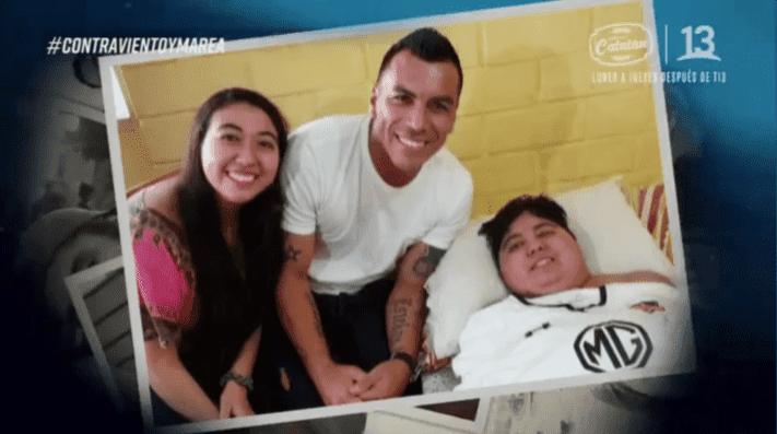 El emotivo gesto de Esteban Paredes con joven que protagonizó capítulo de Contra viento y marea