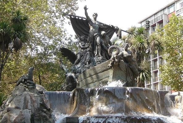 Fuente Alemana en Santiago, Wikipewdia (c)