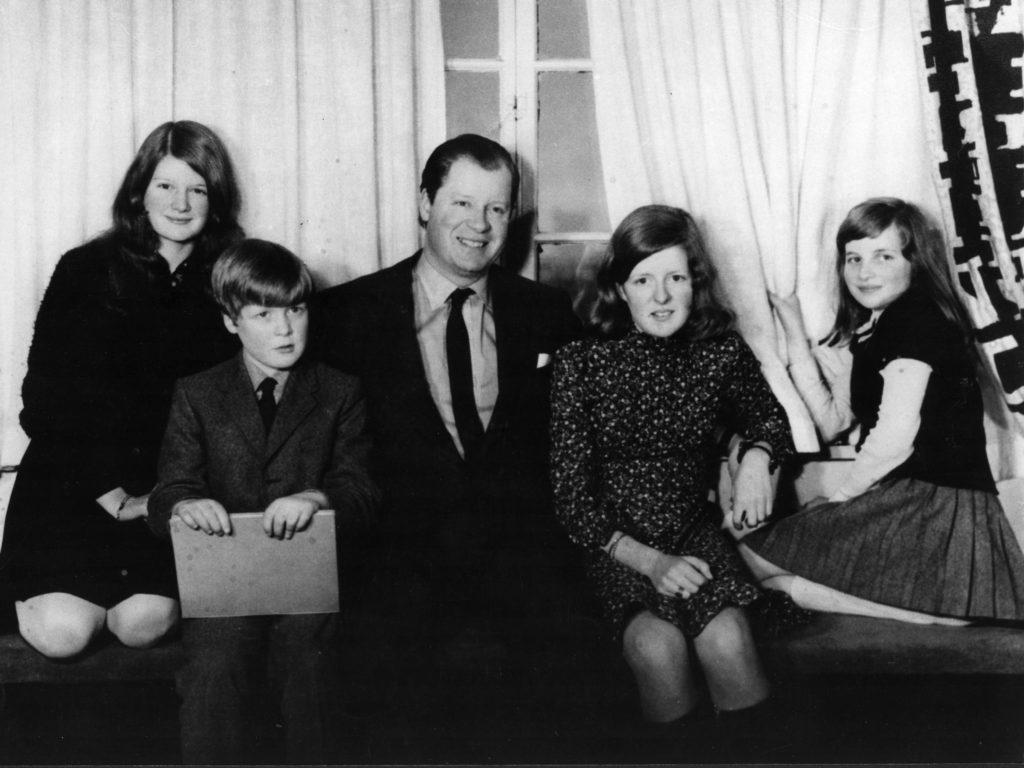 Diana, su padre y sus hermanos