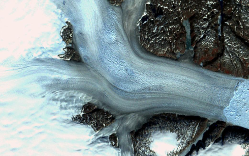 El glaciar Helheim, uno de los más grandes de Groenlandia. Imagen tomada en 1972 | NASA