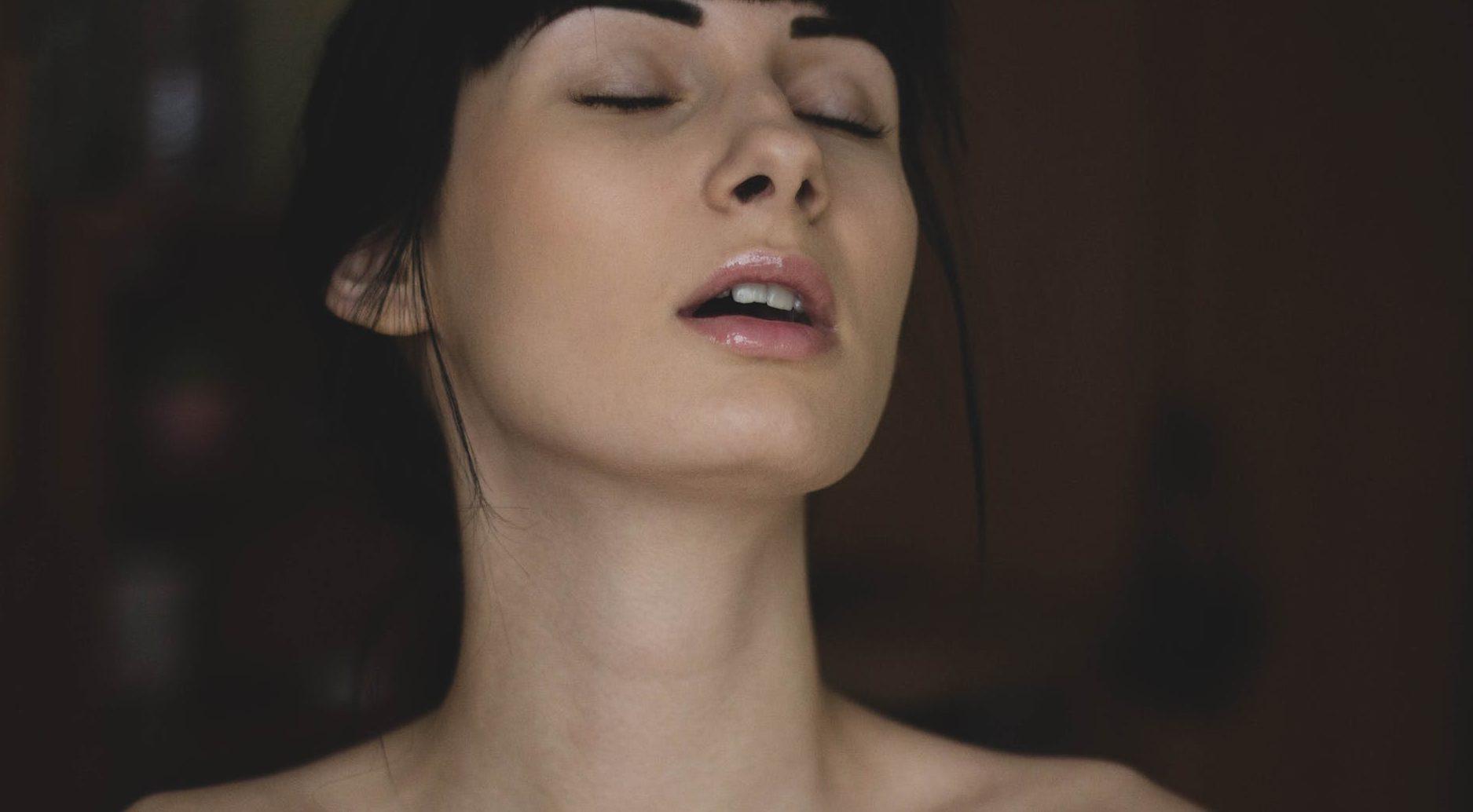 Orgasmos De Chicas 10 beneficios del orgasmo femenino   vida   biobiochile