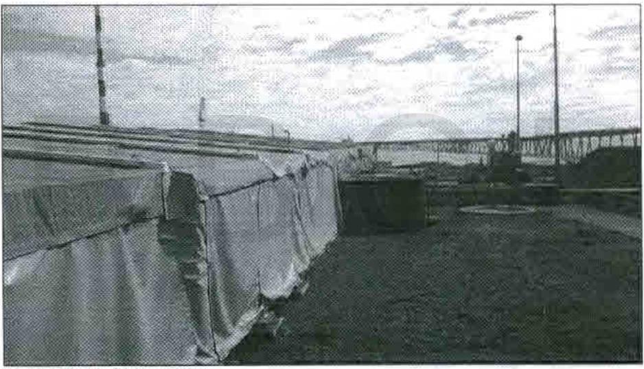 Piscina encarpada tras volarse la espuma | Fotografía contenida en la carpeta investigativa