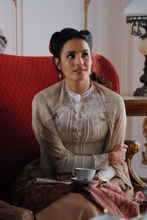 Fernanda Urrejola como Leonora Latorre | Adiós al Séptimo de Línea