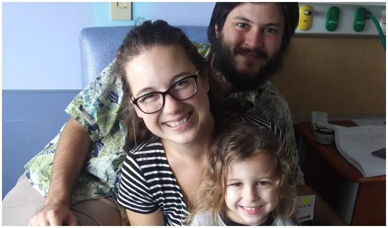 Joshua McAdams y Taylor Bland con su hija | CNN