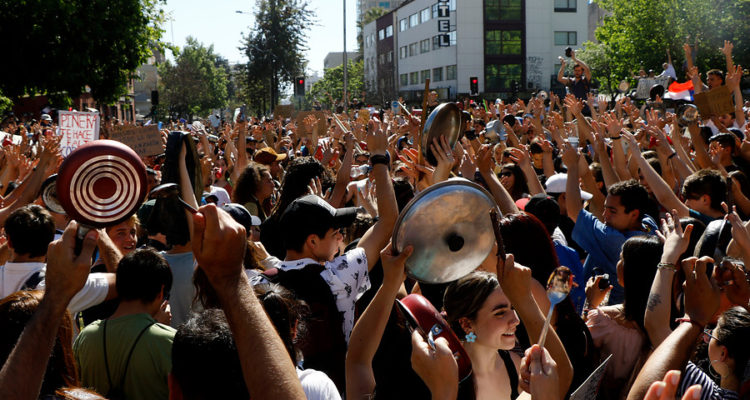 Manifestación pacifica en Ñuñoa | Mario Dávila | Agencia Uno