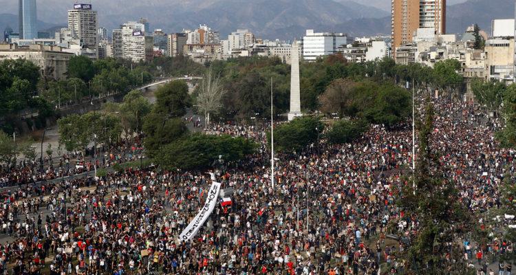 Miles de personas en Plaza Italia | Mario Dávila | Agencia Uno