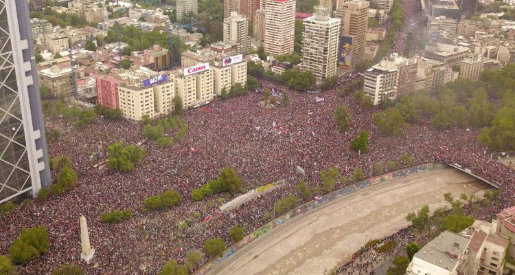 chile protest 1 million people ile ilgili görsel sonucu