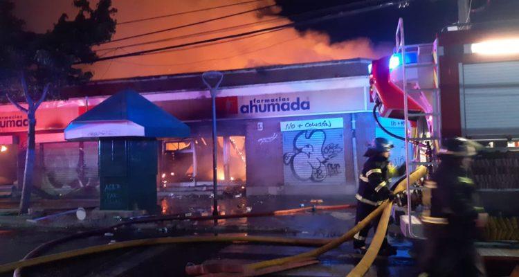Farmacia Ahumada quemada en Valparaíso