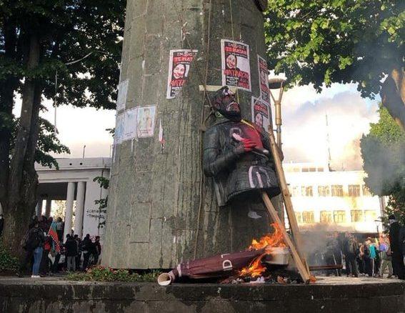 Resultado de imagen para estatua pedro valdivia