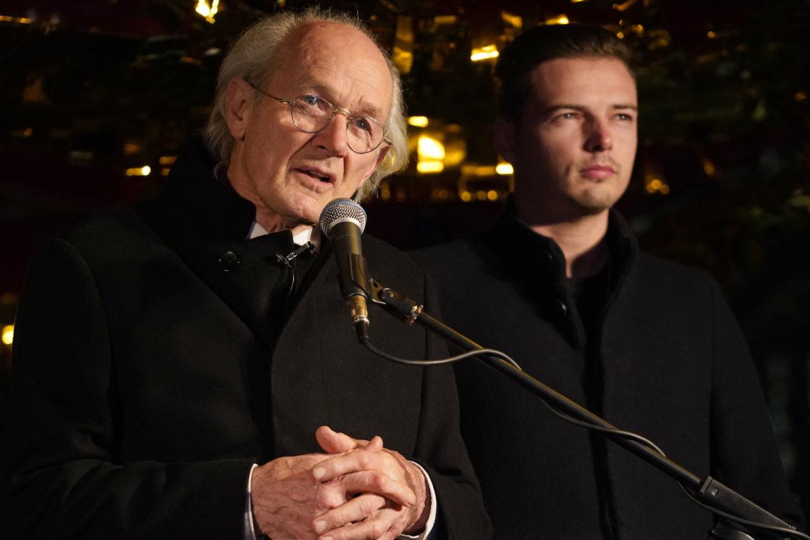 John Shipton / Padre de Assange / AFP