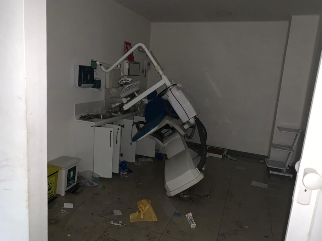 Destrucción sector de Odontología   Felipe Cornejo (RBB)