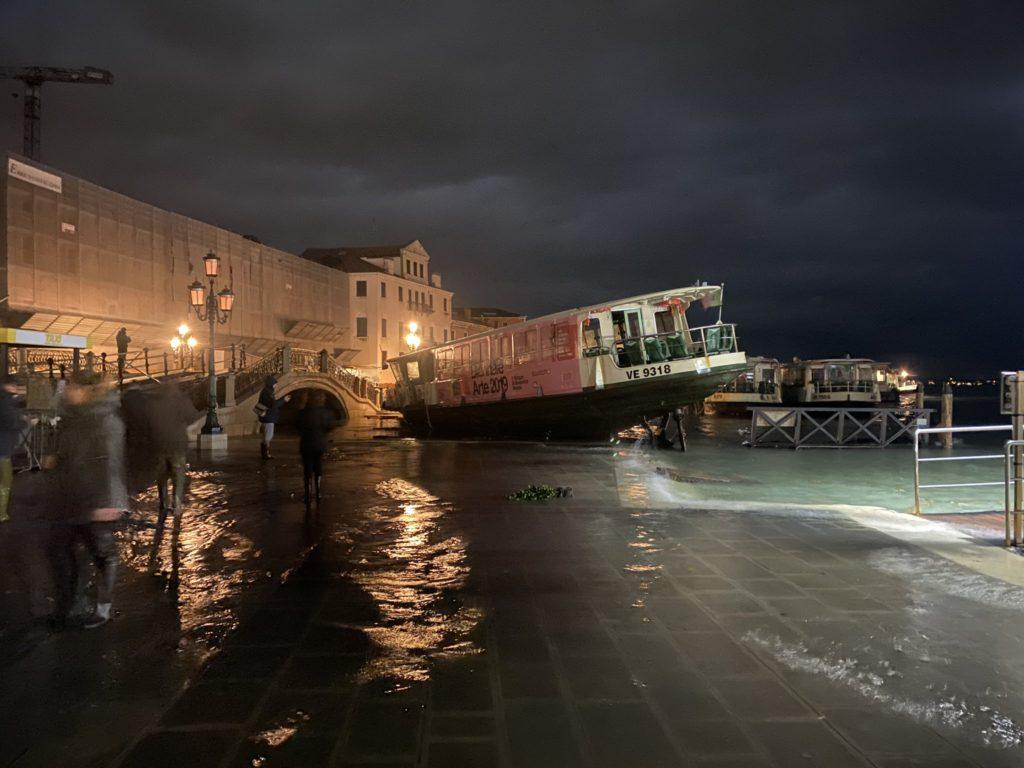 @LuigiBrugnaro / Alcalde de Venecia