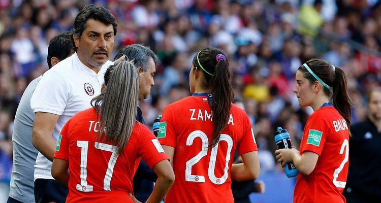 ANFP absuelve de acusación de actos indebidos a José Letelier, entrenador de La Roja femenina