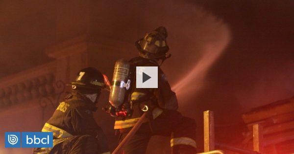 Incendio destruyó tienda Hites en el sector céntrico de Valparaíso - BioBioChile