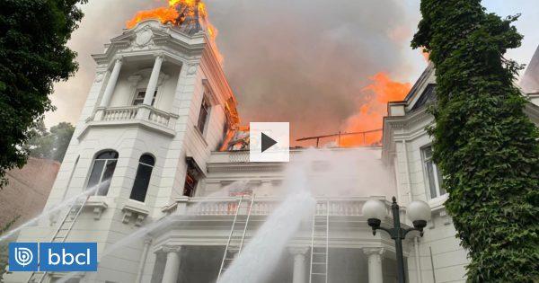 Incendio destruye sede de UPV en Vicuña Mackenna: casa de estudios acusa intencionalidad - BioBioChile