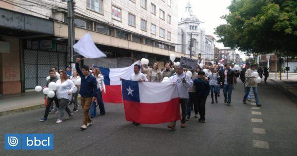 Mesa Social de Osorno aborda apoyo a funcionarios de la salud y terminar con inestabilidad laboral - BioBioChile