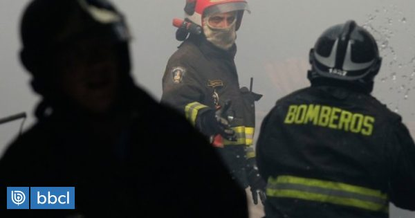 Bomberos denuncia robo de importante dispositivo mientras combatía incendio en Puerto Montt - BioBioChile
