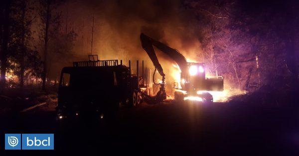 Cinco maquinarias fueron quemadas tras ataque a fundo en Mulchén - BioBioChile