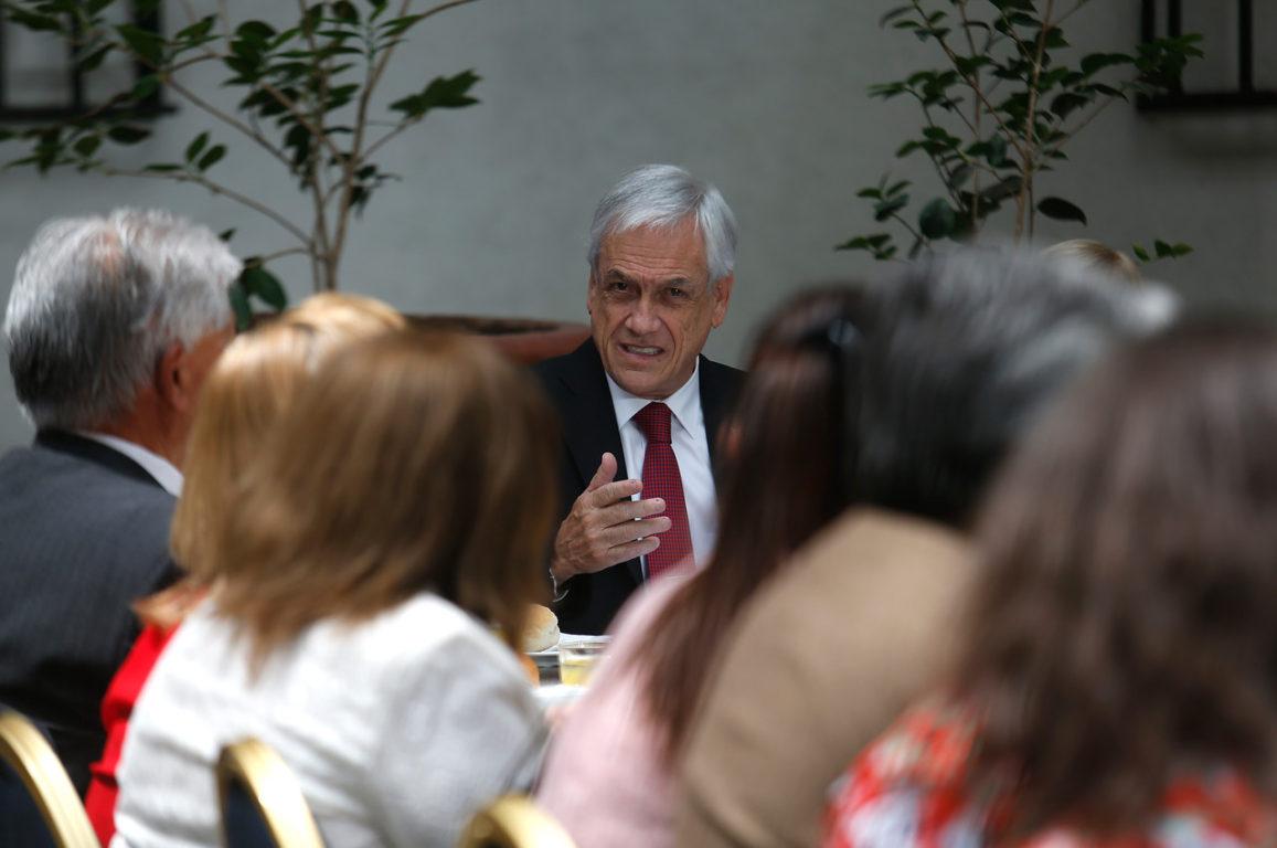25 de Octubre de 2019   El Presidente de la Republica, Sebastián Piñera, firma Proyecto de Ley para aumentar las pensiones   Agencia UNO
