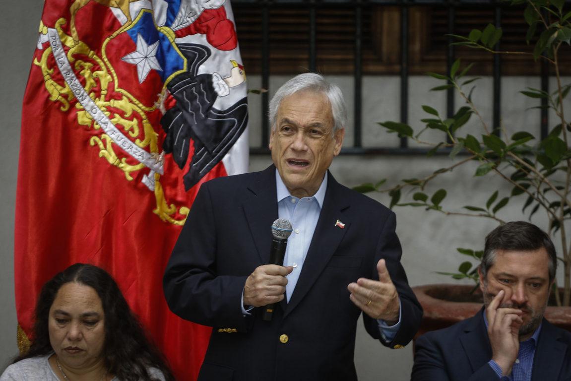 26 de Octubre de 2019   Sebastian Piñera participa de un encuentro que tiene como objetivo tener un proceso de escucha activo en una instancia con representación transversal, de distintas instituciones y sectores para comenzar a reconstruir confianzas a partir del diálogo   Agencia UNO