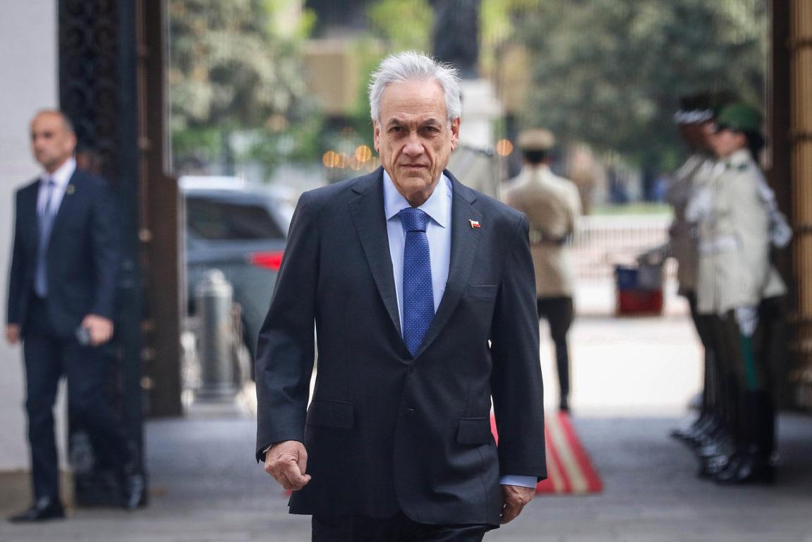 4 de Noviembre de 2019   El presidente Piñera recibe los honores de la guardia de Palacio de la Moneda