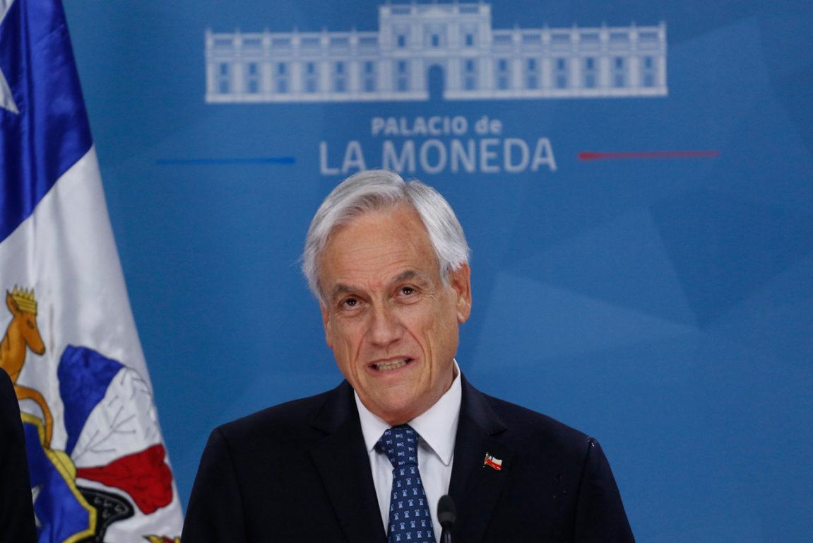 """12 de Noviembre de 2019   Presidente Piñera anuncia reintegro de policías en retiro y llama a """"acuerdo por la paz�   Agencia UNO"""