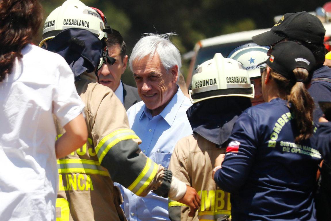 20 de Noviembre de 2019    Sebastian Piñera visita la zona de Peñuelas, luego de realizar un sobrevuelo a la zona afectada por los incendios forestales en la región de Valparaíso   Agencia UNO