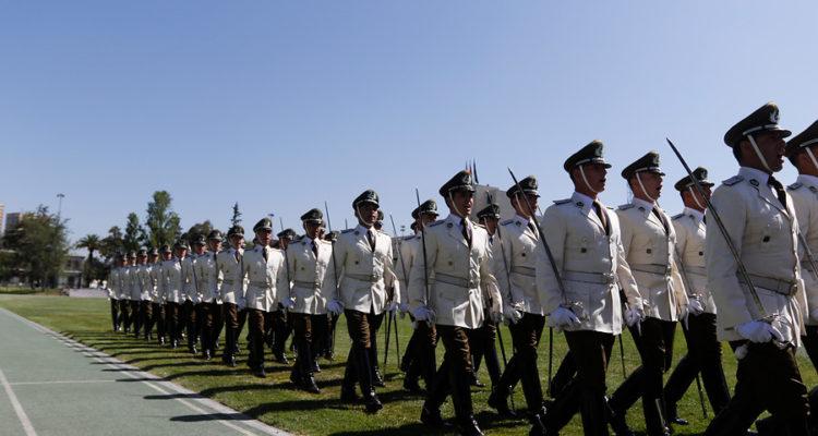 [Imagen: carabineros-desfile-750x400.jpg]